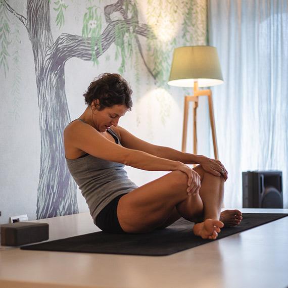 Clase de Hatha Yoga en Aqua Vilanova